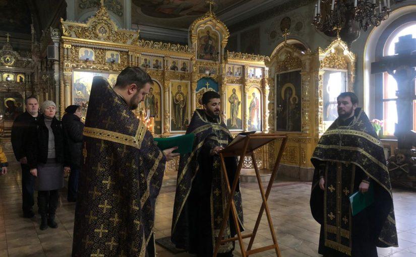 В Северном викариатстве прошел молебен об отпавших от Православия